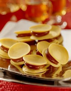 welcome to platoslatinos net ? Mexican Dessert Recipes, Snack Recipes, Cooking Recipes, Chilean Recipes, Chilean Food, My Favorite Food, Favorite Recipes, Yummy Food, Tasty