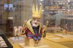 Takashimaya est l'une des plus grande chaîne de centres commerciaux.  Le Petit Prince y est représenté grâce à une exposition itinérante à Tokyo (19 novembre – 23 novembre), Kanagawa (25 novembre -7 décembre), Osaka (16 décembre – 25 décembre), Kyoto (16 décembre – 25 décembre).