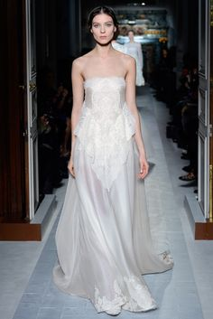"""""""Il giardino di Ninfa"""" dress in jasmine organza  encrusted with dentelle and embroidered in silk.       http://www.valentino.com/en/collections/haute-couture/"""