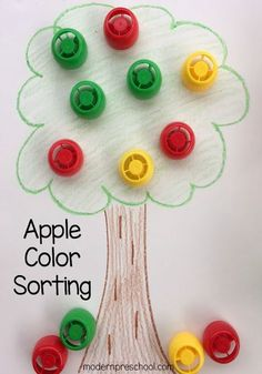 Apple color sorting busy bag activity for toddlers and preschoolers from Modern Preschool Preschool Apple Theme, Fall Preschool, Preschool Themes, Preschool Activities, Preschool Apples, Preschool Printables, Preschool Lessons, Indoor Activities, Fall Activities For Toddlers