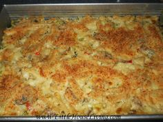An Easy Chicken Casserole recipe. How to make your own version of Amish Chicken Casserole from scratch and real foods! Easy Chicken Recipes, Real Food Recipes, Cooking Recipes, Chicken Meals, Real Foods, Cooking Rice, Game Recipes, Retro Recipes, Chicken Pasta