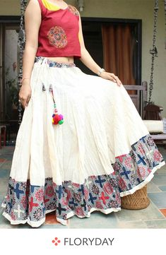 Daily wear Long Skirt Design Images - The Handmade Crafts Indian Designer Outfits, Indian Outfits, Designer Dresses, Lehenga Crop Top, Indian Skirt, Long Skirt Outfits, Lehnga Dress, Lehenga Skirt, Estilo Hippie