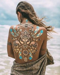 Temporary Glittery Tattoo Designs Best Temporary Tattoo Designs - 75 Temporary Tattoos That Are Just As Cool As The Real Ink to try in this summer vacations Best Temporary Tattoos, Temporary Tattoo Designs, Gold Tattoo, Metal Tattoo, Hippie Chic, Boho Chic, Bohemian, Makeup Carnaval, Egyptian Goddess
