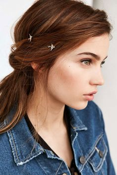 Sparrow Duo Bobby Pin Set, Take flight with this pretty set of bobby pins in a sleek, polished finish with sparrow accents at ends. Content + Care - Set of 2 - Mixed metal - Wipe clean - Imported Silver Hair Accessories, Hair Accessories For Women, Head Accessories, Bobby Pin Hairstyles, Boho Hairstyles, Pretty Hairstyles, Tween Girl Gifts, Ombre Hair, Hair Jewelry