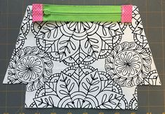 Zippered makeup pouch and pencil pouch tutorials Small Sewing Projects, Sewing Projects For Beginners, Sewing Hacks, Sewing Tutorials, Sewing Crafts, Sewing Patterns, Bag Tutorials, Purse Patterns, Zipper Pouch Tutorial