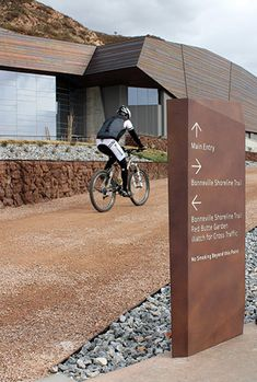 wayfinding signs help your visitor figure out where to go | Natural History Museum of Utah wayfinding
