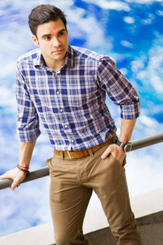 the Canadian Olympic diver Alexandre Despatie. Like the style. Office Fashion, Boy Fashion, Mens Fashion, Fashion Tips, Dapper Gentleman, Gentleman Style, Smart Casual, Men Casual, Men Dress Up