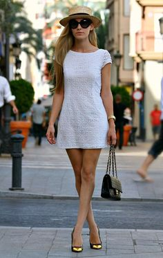 25 Trendy Street Style Dresses for the Summer - Fashion Diva Design Cute Dresses, Casual Dresses, Short Dresses, Fashion Dresses, Casual Outfits, Mode Pop, Look Fashion, Womens Fashion, Street Fashion