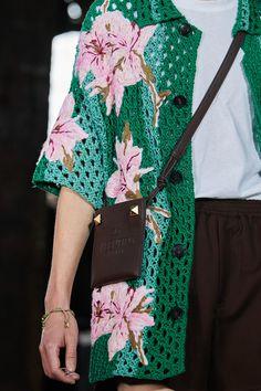 Summer Fashion Trends, Fashion 101, Knit Fashion, Fashion Details, Gilet Crochet, Knit Crochet, Crochet Doll Tutorial, Moda Crochet, Fashion Forecasting