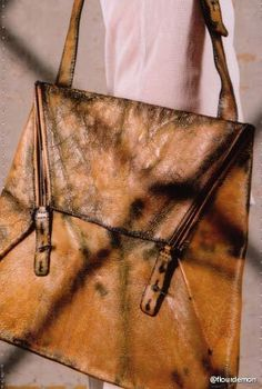 CAROL CHRISTIAN POELL OBJECT DYED PATENT HORSE LEATHER SHOULDER BAG MALE