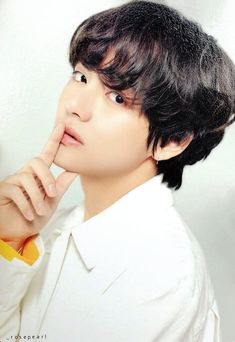 Image about bts in taehyung by 💜Taetae💜 on We Heart It Jimin Jungkook, Bts Taehyung, Namjoon, Suga Rap, Bts Bangtan Boy, Seokjin, Taehyung Fanart, Daegu, Foto Bts