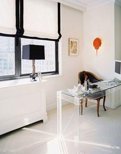 lucite desk, black trim House Blinds, Blinds For Windows, Diy Bamboo, Black And White Office, Black White, Black Window Frames, Black Windows, Magazine Deco, Home Office Computer Desk