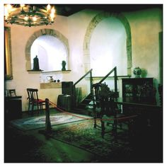 Inside of Duart Castle, on the Isle of Mull ---- played Castle of Sorne, in I Know Where I'm Going! (1945)