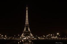 Pais Tour Eiffel - Eiffel Tower by night Clément Thériez  Facebook page : http://www.facebook.com/clementphotographie62/