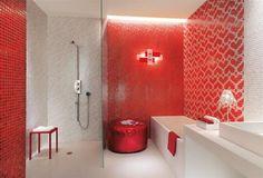 Bagni a mosaico, rosso ed accogliente
