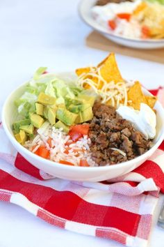 Poki Bowl, Mexican Food Recipes, Healthy Recipes, Healthy Foods, Sushi Bowl, Taco Bowls, Happy Foods, Food Inspiration, Carne