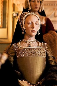 "Katherine Howard: 5th wife of Henry VIII, was beheaded at the age of 21. After only eight months of being married to Henry, Catherine had already taken Thomas Culpepper as her lover. Their relationship would end tragically. Legend has it that Catherine's last words were: ""I die a queen, but would rather die the wife of Culpepper."" flickr.com"