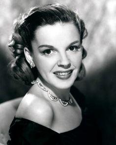 old movie stars photos | movies: classic movie stars / Judy Garland #hollywood #classic # ...