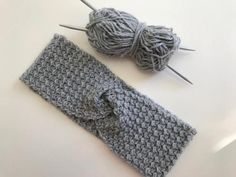 Stirnband gehäkelt / Headband crochet | Etsy Vintage, Crochet, Handmade, Etsy, Accessories, Fashion, Headband Crochet, Gifts, Moda