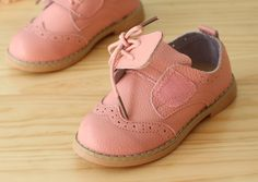 A cute alternative to our Hunter Boots. What girl doesn't need a pair of #pinkleatherloafers in her life?!? LOVE LOVE these shoes! #KidsOxfords modernechild.com