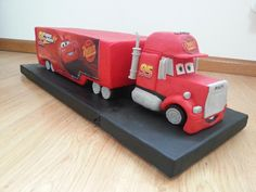 Mack truck from Cars - Cake by Claudia Kapers