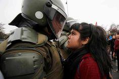 Chile, protestas por el 43 aniversario del golpe de Estado de Augusto Pinochet - Arturo Fortún