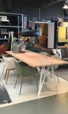 Studio H&K | Design Eettafel Butterfly Eikenhout Staal | www.studio-henk.nl