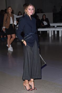 Olivia Palermo hits the nail on the head again in her all black look #LFW