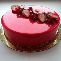 Mirror glaze cakes are simply cakes decorated by applying mirror glazes on some parts or the entire body of the cake. Mirror glazes can be used to cover the top and the sides of cakes , where creams and mousses are prevalent. Covering a cake with a shiny glaze makes it instantaneously chic, profess