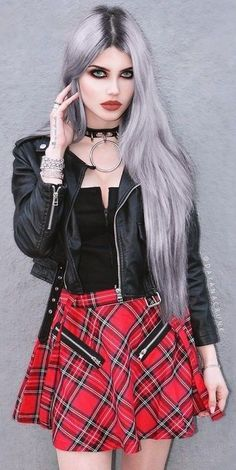 Dayana Crunk #GothicFashion
