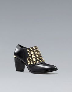 GOLD STUDDED ANKLE BOOT  Height of heel: 7,7 cms./ 3,03 inches.    129.00 USD