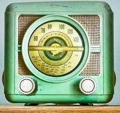 Retro/vintage green radio...