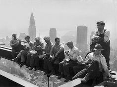 That 1932 Shot Of Construction Workers Eating Lunch On A Steel Beam Was NOT A PR Stunt. Not sure whether this is true......