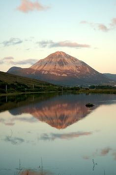 Mt Errigal at sunset, County Donegal, Ireland #myhappytravels @whitestuff