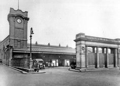 Victoria Station entrance and War Memorial to Great Central Railway employees who died WWI #socialsheffield