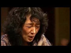 MITSUKO UCHIDA - Mozart Piano Concerto # 13 in C major ~ Camerata Salzburg - YouTube