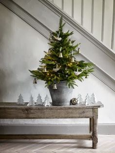 Artificial fir tree as Christmas decoration? A synthetic Christmas Tree or perhaps a real one? Lovers of artificial Christmas decorations , such as Christmas tree or artificial Advent wreath know the Small Christmas Trees, Christmas Tree Design, Noel Christmas, Little Christmas, Country Christmas, Winter Christmas, All Things Christmas, Christmas Decorations, Christmas Hallway