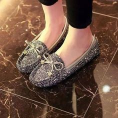 Masses of glowing hand-positioned stones embellish this gorgeous pump Stylo Shoes, Shoes Heels, Pumps, Badgley Mischka, Chanel Ballet Flats, Comfortable Shoes, Slippers, Beautiful, Discount Price