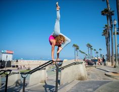 Cheer Flexibility, Dance Flexibility Stretches, Gymnastics Flexibility, Gymnastics Tricks, Gymnastics Poses, Sofie Dossi, Cool Poses, Ballet, Dance Poses