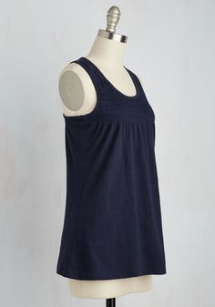 NIKE Legend Poly Sleeveless Top