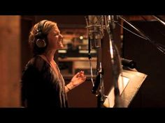 Lionel Richie, Jennifer Nettles - Hello (Behind The Scenes)   God I love this.....