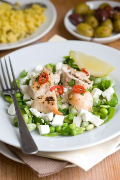 Easy Italian Chicken Recipes: Feta-Topped Chicken    Serve with some fresh green salad on the side and you have one perfectly classy and complete main course. Full recipe here: http://www.looplane.com/cuisine/entrees/easy-italian-chicken-recipes-feta-topped-chicken/