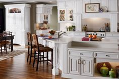 Kitchen cabient ideas, design software, top refacing color schemes and cabinetry makeover tips.