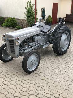 Antique Tractors, Vintage Tractors, Ford Tractors, John Deere Tractors, Ferguson Te20, Agriculture Machine, Small Tractors, Vintage Skateboards, Classic Tractor