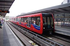 Alstom, Bombardier Transport, CAF et un consortium regroupant Siemens, Stadler Bussang AG et Stadler Rail Valencia. Voici les quatre candidatures …
