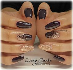 I love these black and gold accented nails.