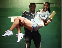 BALLIN! Russell Wilson and Ciara Plan Over-The-Top Traveling Excursions - http://www.ratchetqueens.com/russell-wilson-and-ciara-plan-over-the-top-traveling-excursions.html