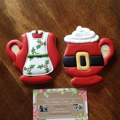 Mr. & Mrs. Claus cookie mugs!! #decoratedcookies #sugarcookies #sugarart #edibleart #christmascookies #christmas #holidaycookies #santa #mrsclaus #cookiemugs