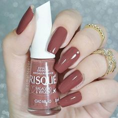 Want some ideas for wedding nail polish designs? This article is a collection of our favorite nail polish designs for your special day. Acrylic Nails Natural, Almond Acrylic Nails, Almond Nails, Stylish Nails, Trendy Nails, Love Nails, Fun Nails, Nagel Blog, Nail Polish
