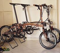 No photo description available. Bike Gang, Folding Bicycle, Smart Boy, Push Bikes, Brompton, Bike Accessories, Road Bikes, Cycling, Motorcycles